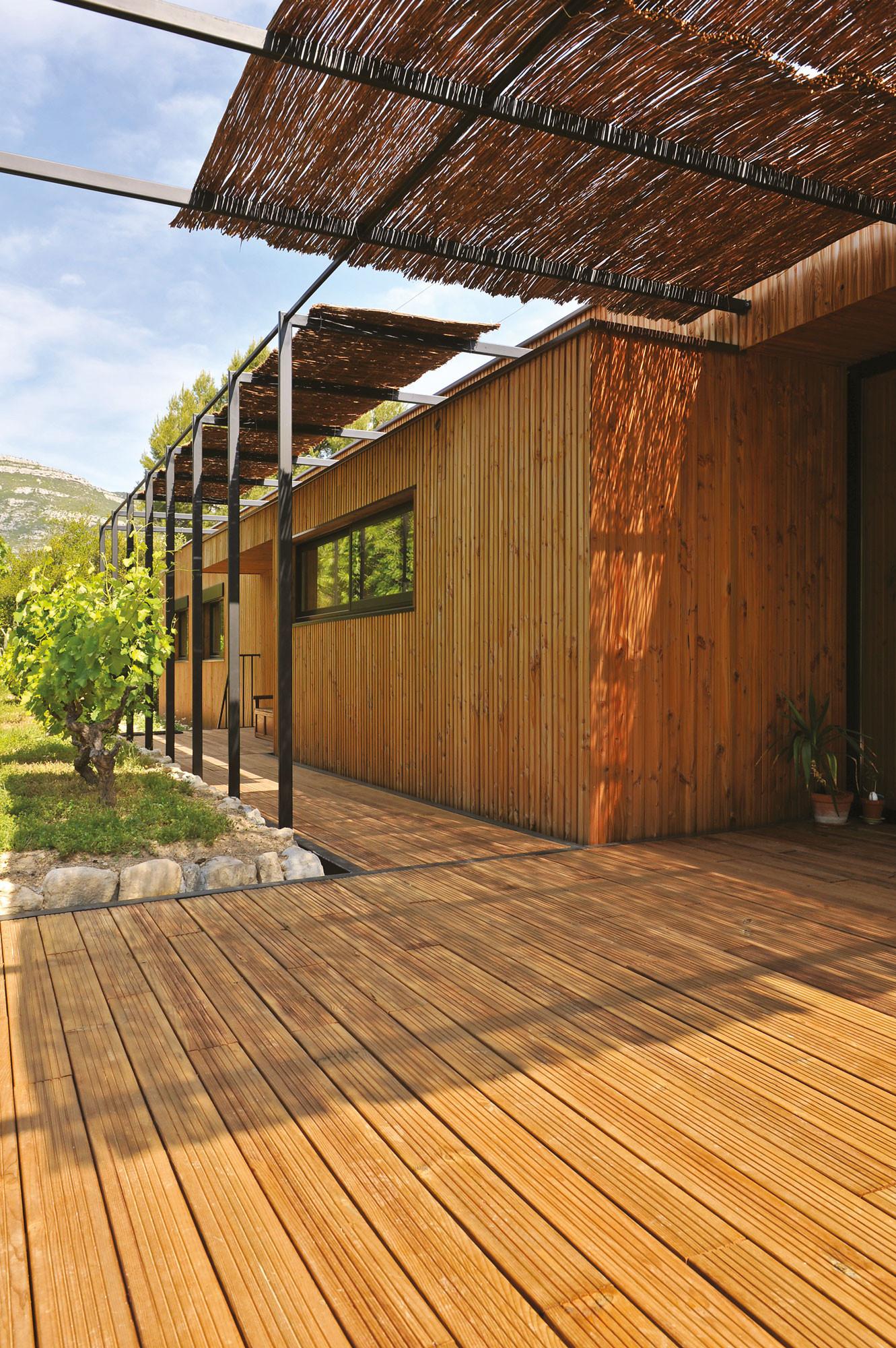 lame de terrasse cancun pin cl4 marron rainur e 28x145mm pin trait classe 4 terrasse en. Black Bedroom Furniture Sets. Home Design Ideas