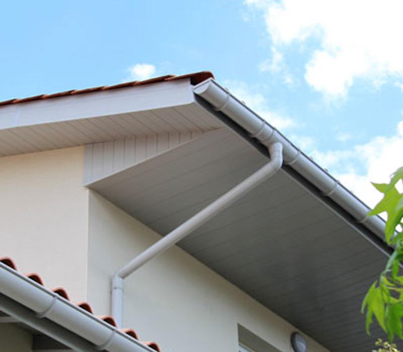 planche de rive pvc habillage passement de toit bois de construction rullier bois. Black Bedroom Furniture Sets. Home Design Ideas
